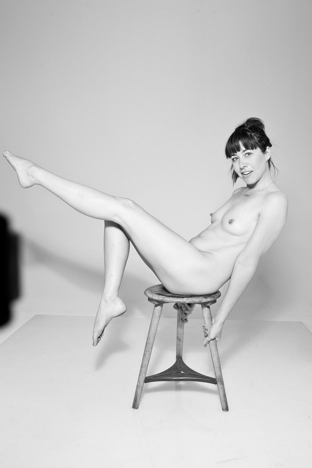 Kirsten Becken Nudes, Nina