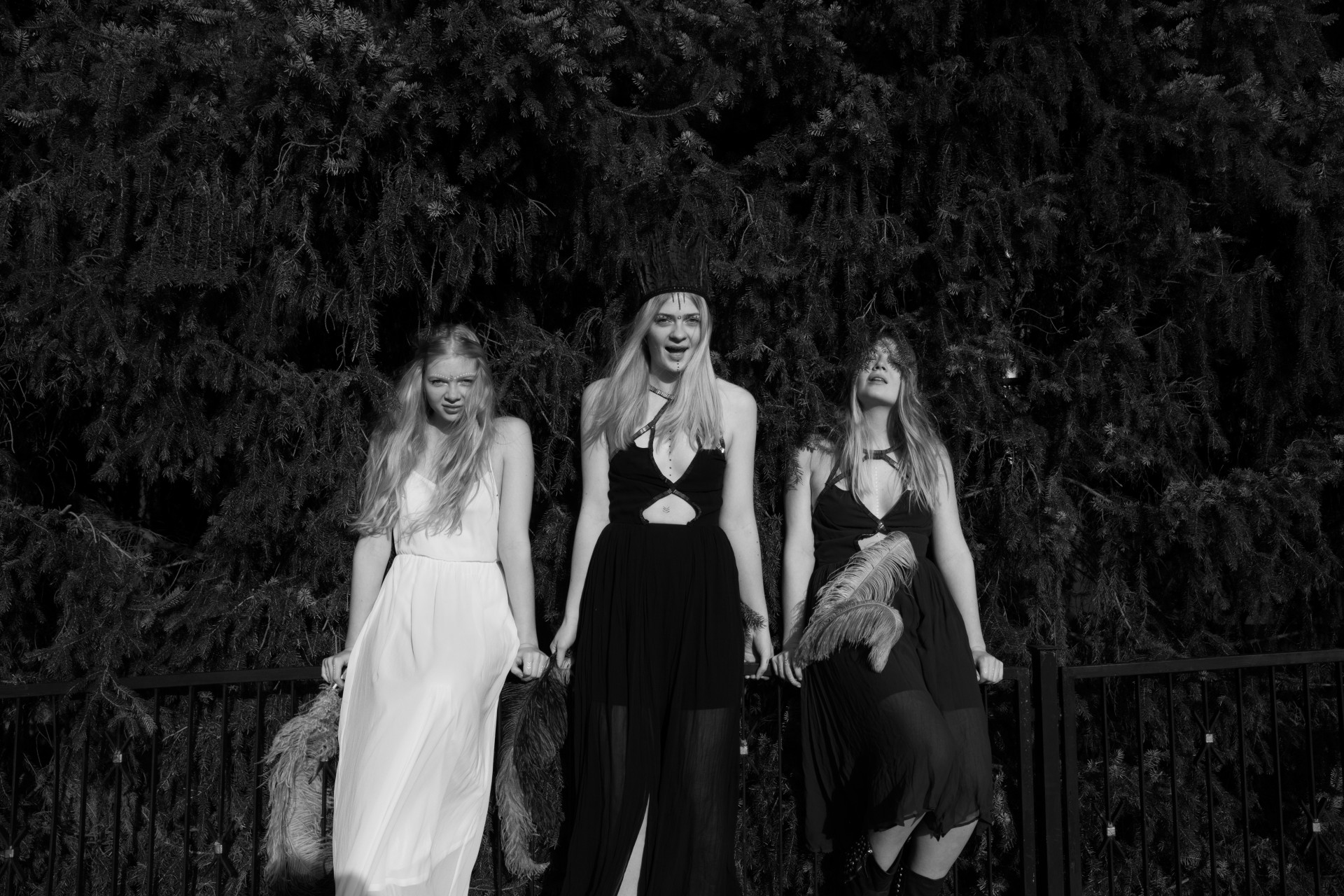 Kirsten Becken Three witches
